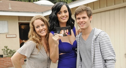 Katy Perry Family Photo, Husband, Mother, Age, Height