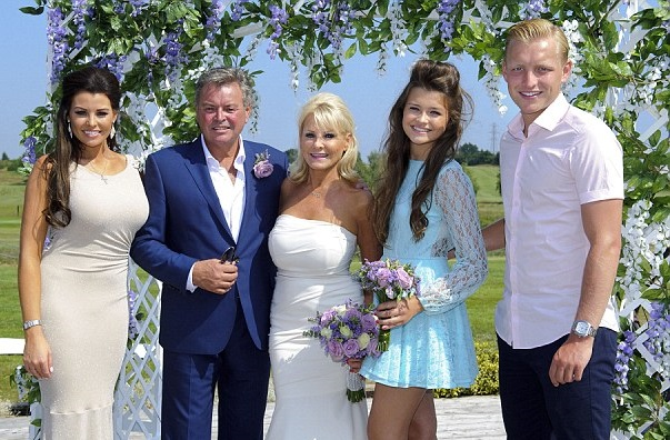 Mark Wright Family Photos, Wife, Parents, Sister, Net Worth