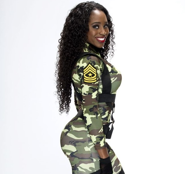 WWE Naomi Family Pictures, Husband / Boyfriend, Age, Height