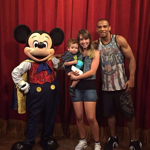 Edson Barboza Family Photos, Wife, Mother, Age, Height, Salary