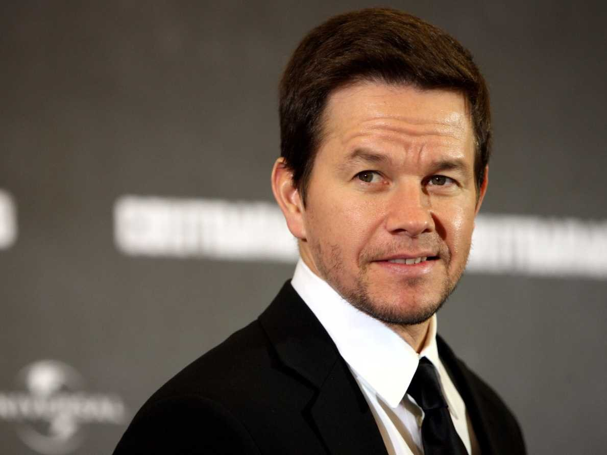 Mark Wahlberg Family Tree, Wife, Kids, Father, Age, Height, Net Worth