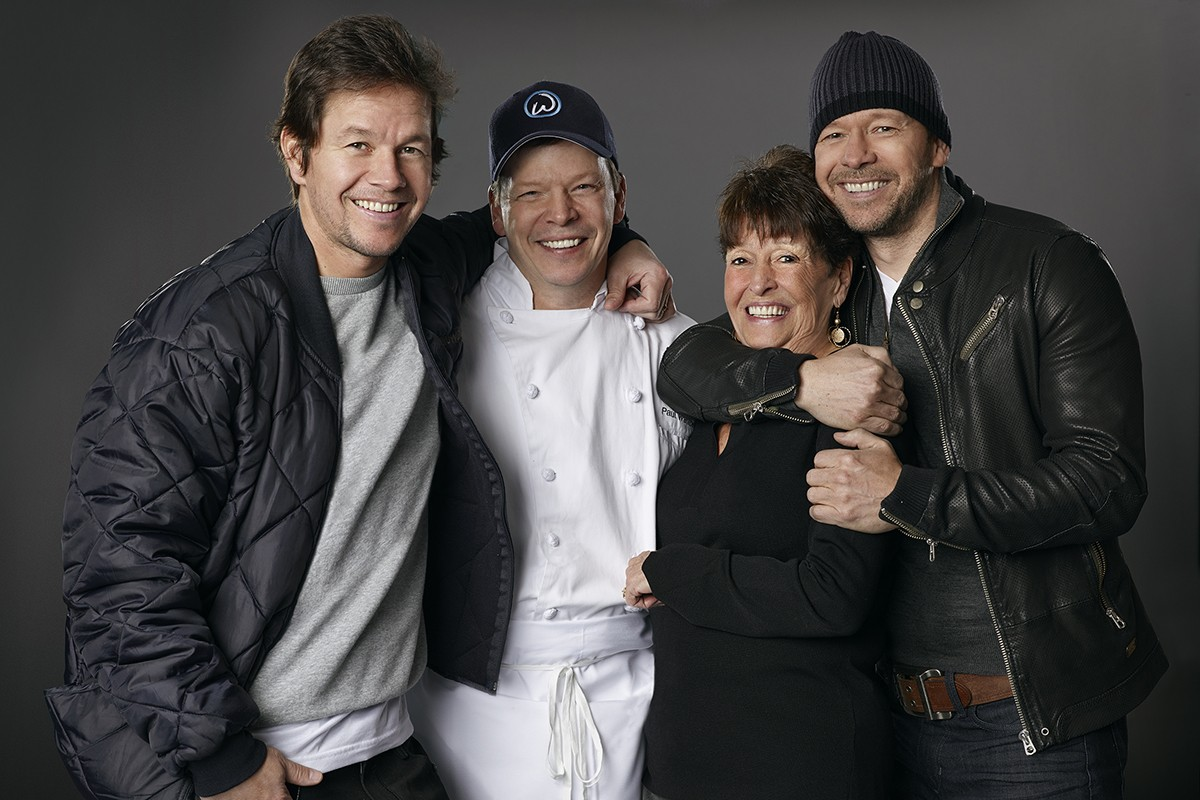 Mark Wahlberg Family Tree, Wife, Kids, Father, Height, Net Worth