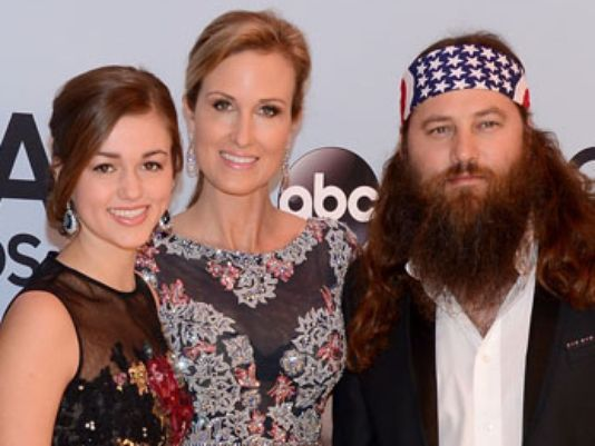 Sadie Robertson Family Photos, Father, Mother, Husband, Age, Height, Net Worth