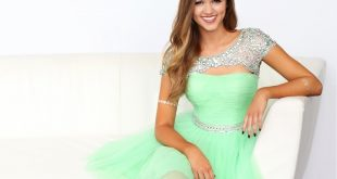 Sadie Robertson Family Photos, Father, Mother, Sister, Husband, Age, Height, Net Worth