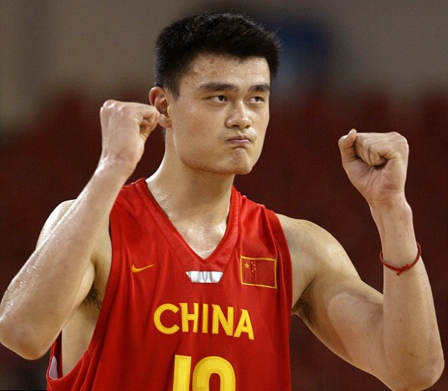 Yao Ming Family Pictures, Wife, Daughter, Father, Age, Height, Net Worth, Salary