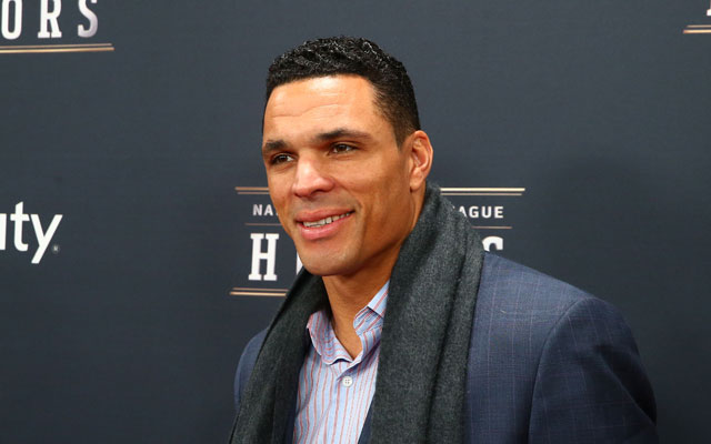 Tony Gonzalez Family Pics, Wife, Son, Daughter, Age, Height, Net Worth