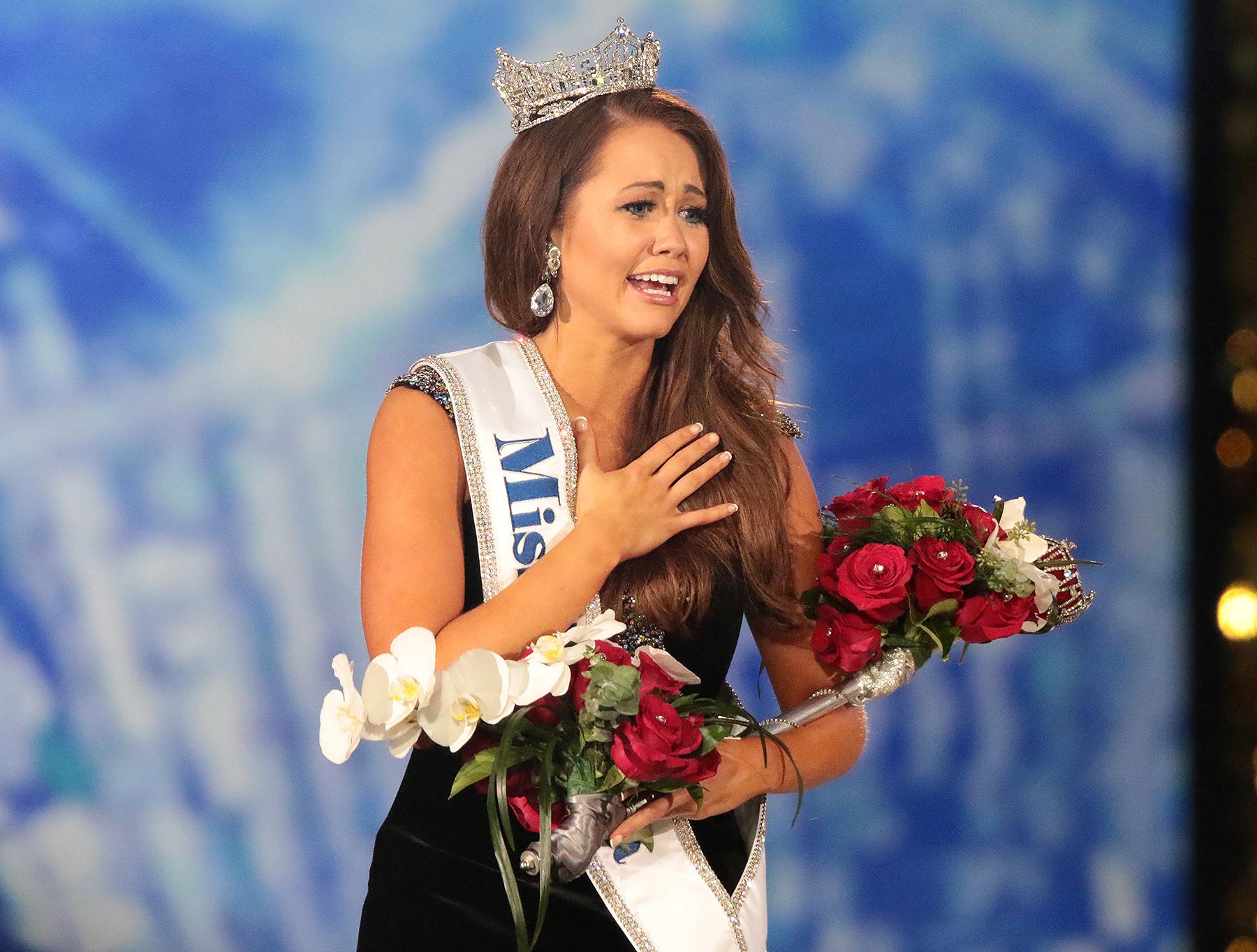 Cara Mund Miss America 2018 Family, Age, Bio, Height, Talent