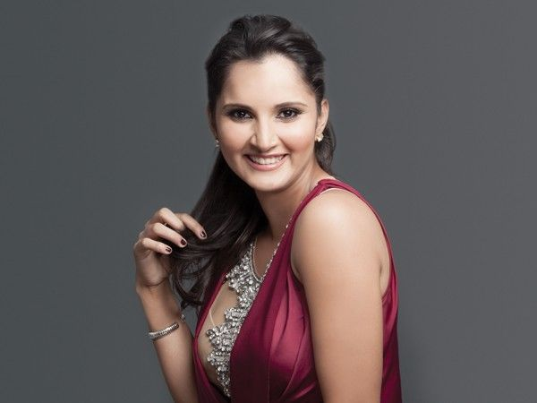 Sania Mirza Family Photos, Husband, Sister, Father, Mother, Age, Height, Net Worth