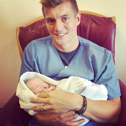 Toni Kroos Age, Wife, Height, Daughter, Son