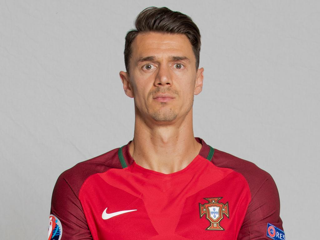 Jose Fonte Wife, Age, Height, Salary, Net Worth