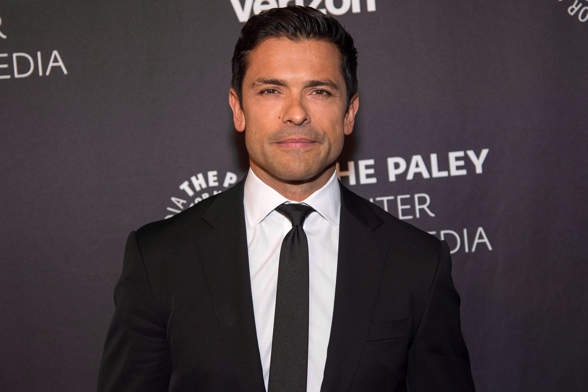 Mark Consuelos Age, Height, Kids, Wife, Parents