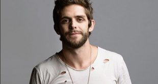Thomas Rhett Family Photo, Wife, Age, Kids, Father